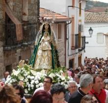 """127 pueblos de Castilla La Mancha piden que Cospedal """"se caiga por un barranco"""""""