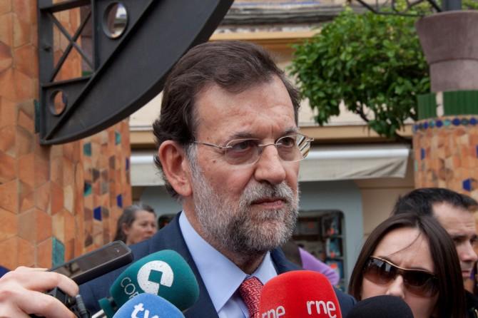 """La policia cree que Rajoy no dice la palabra """"Bárcenas"""" por una apuesta con unos chinos"""