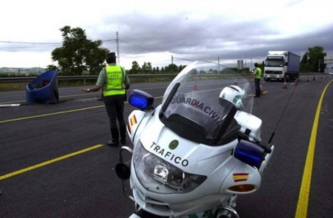 Tráfico multará a los conductores que renieguen del Gobierno mientras conducen