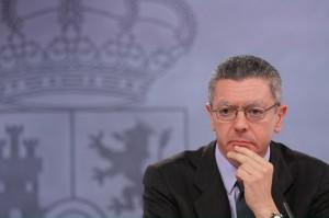 Tiodos los españoles irán a la cárcel siete años, por lo menos