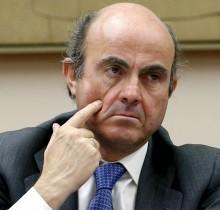 De Guindos recomienda invertir en antidisturbios y Betadine