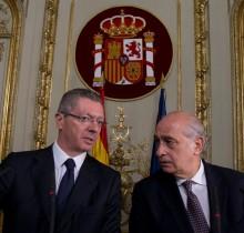 Defensa dejará de pagar los cilicios de Gallardón y Fernández Díez