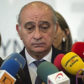 El ministro del Interior asegura que su esposa es ETA