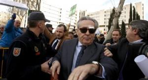 Blesa contraataca acusando a miles de jubilados de llevarse los bolígrafos de Caja Madrid