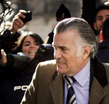 El juez Ruz, escandalizado por una grabación telefónica de Bárcenas con un fabricante de sobres