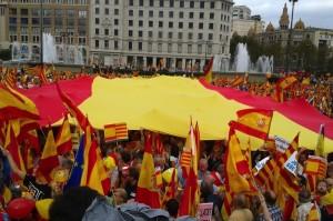 Traumatólogos canadienses confirman que las banderas españolas protegen de los golpes