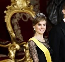 La reina Letizia se verá con una compañera del Instituto para pegarse