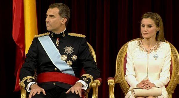 """Felipe VI dice ahora que se esperaba una coronación """"como más... no sé"""""""