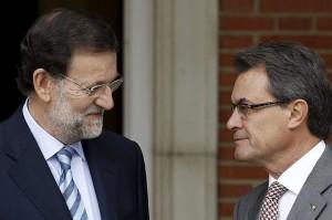 Rajoy propone a Mas que la pregunta de la consulta la redacte Cospedal