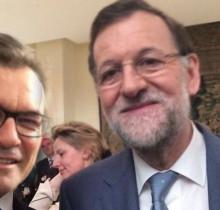 El Gobierno contrata a dos actores para que hablen entre ellos de Catalunya