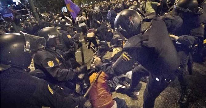 La policía se podrá incautar de las gafas graduadas de los manifestantes