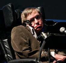 """Stephen Hawking sugiere que no se destape la corrupción del Ejército Español, """"por el amor de Dios"""""""