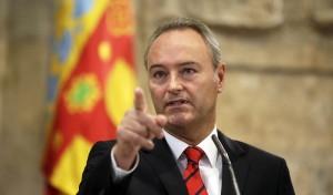 Alberto Fabra ordena que todos sus imputados dimitan cuando les pase por los cojones