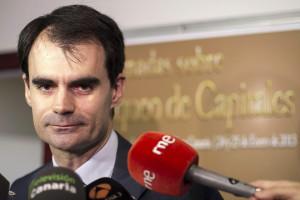 El Consejo de Ministros aprueba que el juez Ruz se caiga por un terraplén