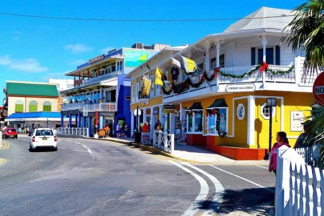 El Partido Popular instala su Comisión de Transparencia en las Islas Caimán
