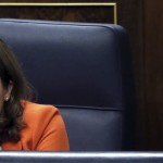 Una mascarilla evitará que Sáenz de Santamaría lea los labios de los diputados del PSOE