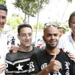 Los dos inmigrantes que posaron con Rajoy y Albiol podrían ser de látex