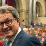 La reforma del Constitucional permitirá quemar el coche de Artur Mas cada siete horas