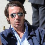 Los médicos ven prácticamente imposible que Aznar pueda alojar su lengua en el recto