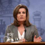 Fátima Báñez asegura que los 179.485 camareros despedidos del verano recibirán un sombrero de Águila Amstel