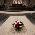 El PP exige que los restos de Franco salgan en ambulancia del Valle de los Caídos
